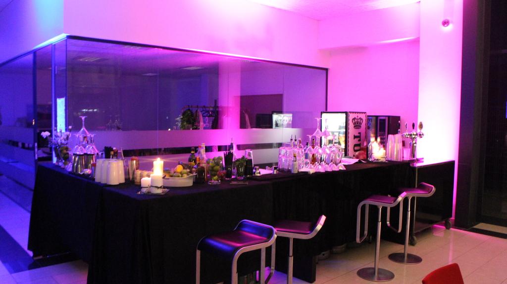 Lej Mobil Bar til fest - Cocktail Bar til fest
